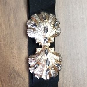 Vintage elastic belt with shell buckles